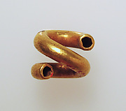 Gold and copper alloy spiral