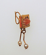 Earring-hook type with pendants of pearls