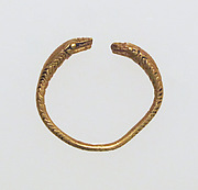 Ring, spiral with snake heads