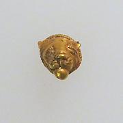 Pendant with lion's head