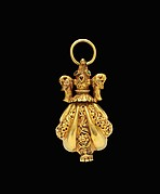 Locket Pendant in Shape of Shell with Animal-Headed Cap Flanked by a Small Bird on Sides