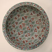 <Mina&#39;i> bowl with abstract pattern