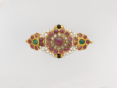 Centerpiece from an Armlet (Bazuband) later made into a Brooch