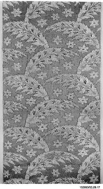 Loom Width with Serrated Leaf Design