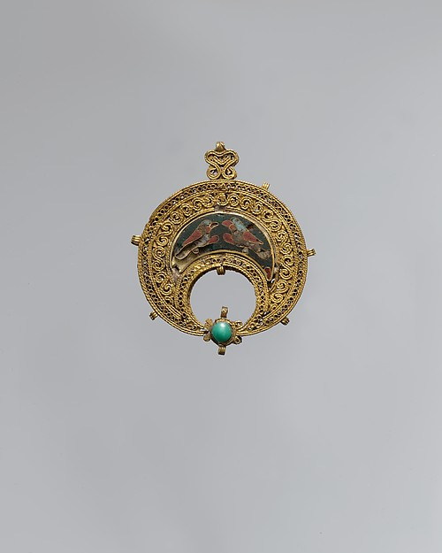 Crescent-Shaped Pendant with Confronted Birds