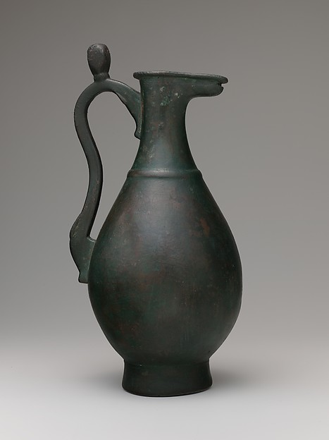 Ewer with Protruding Lip