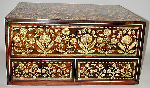 Flower-Style Box with Drawers