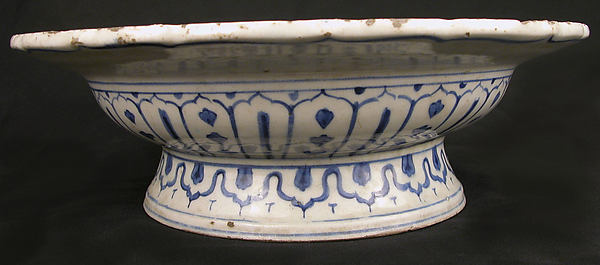 Footed Bowl with Lotuses