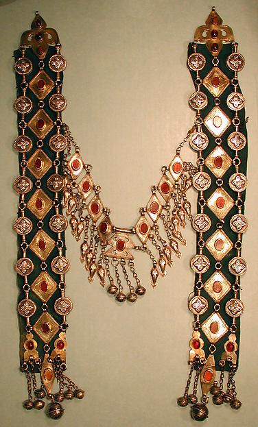 Dorsal Plate Ornament