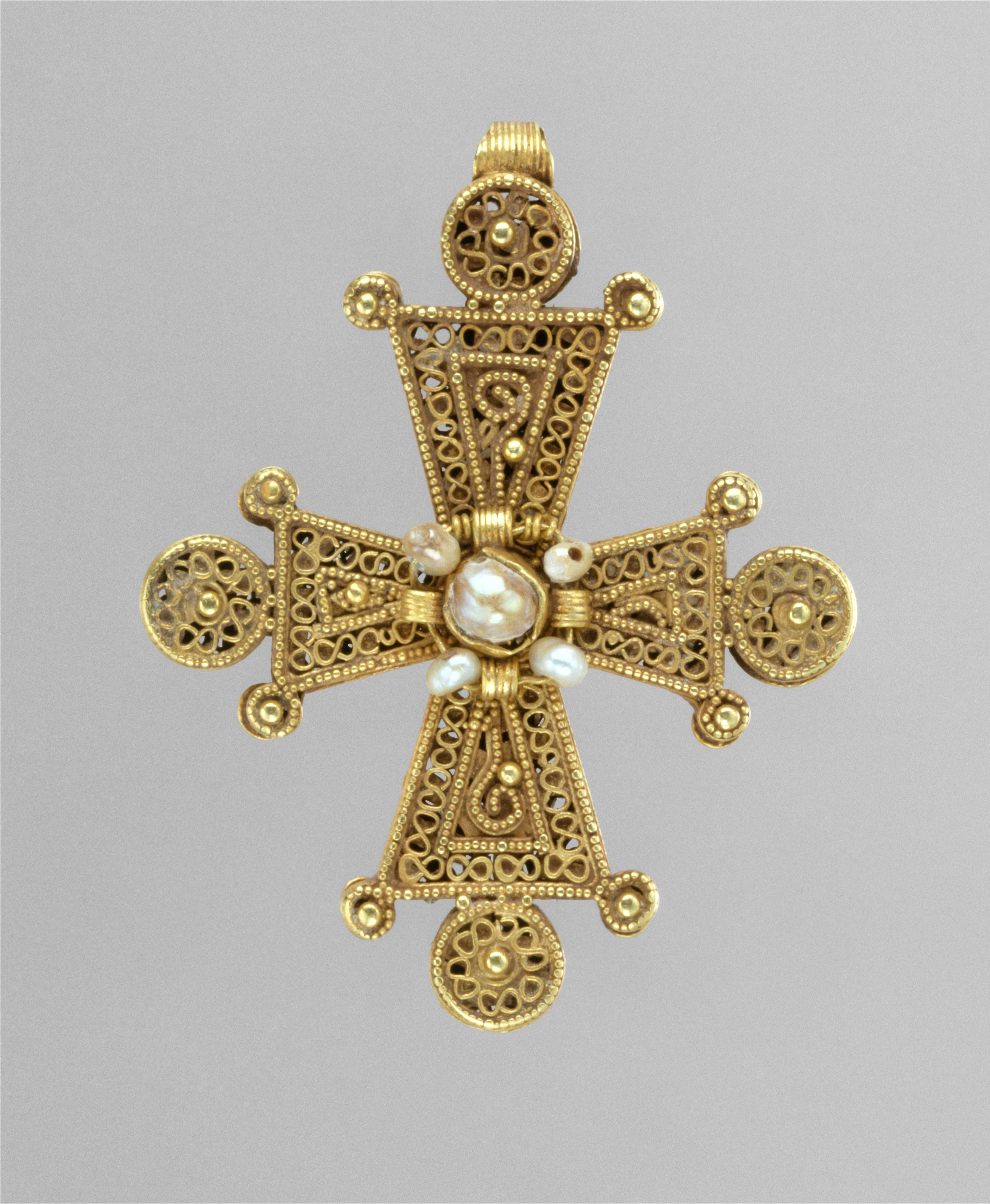 A 14th Century Cross 13th century jewelry o...