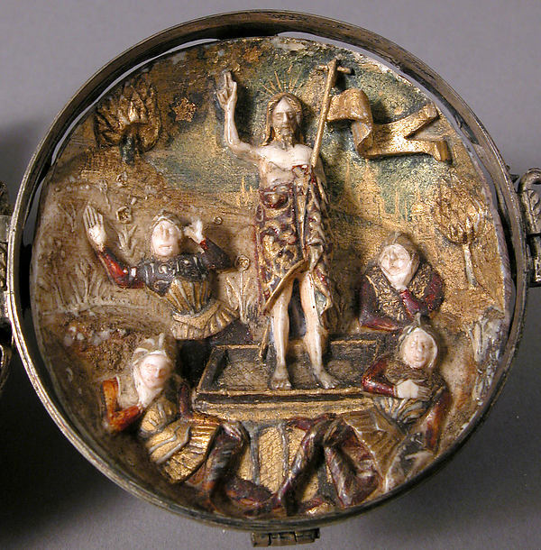 Rosary Bead with the Crucifixion and Resurrection