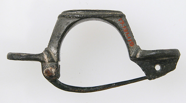 Hoop-Shaped Brooch