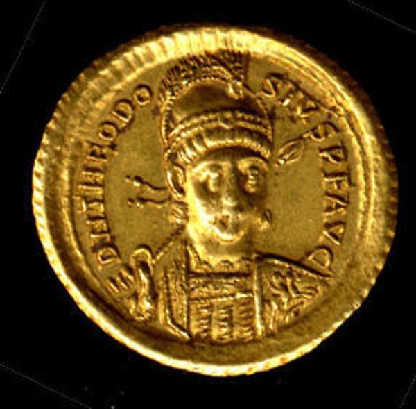 Gold Solidus of Theodosius II (408–50)