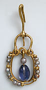 Gold Earring with Pearls and Sapphires