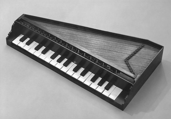 Triangular Octave Spinet