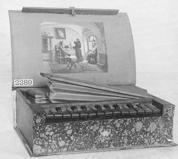 Book Organ