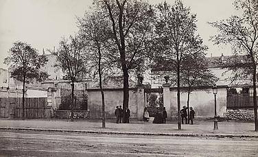 Coin du Boulevard Saint-Jacques (no. 66) (A Corner of the Boulevard Saint-Jacques, no. 66) (Marville's studio, fourteenth arrondissement)