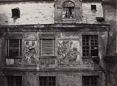 Bas-reliefs de l'Hôtel Colbert (fifth arrondissement)