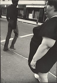 [Street Scene: Woman in Dark, Short-sleeved Dress, New York City]