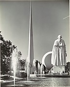 [Fountains, 1939 New York World's Fair, with Trylon and Perisphere in Background]