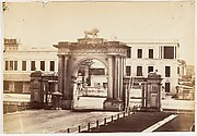 [N.E. Gate of Government House, Calcutta]