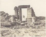 Karnak (Thèbes), Premier Pylône - Ruines de la Porte et des Colosses, Vues du Point E