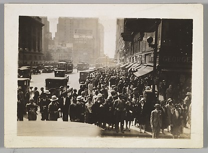 [Pedestrians on Street Corner, New York]