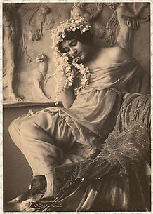 Fritzi von Derra - The Greek Dancer