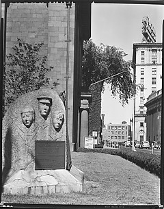 [Veterans' Monument Outside City Hall, Bridgeport, Connecticut]