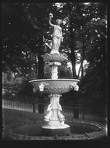 [Fountain in Park]