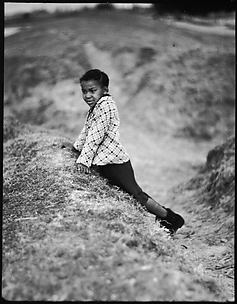 [Young Girl on Levee, Vicinity New Orleans, Louisiana]