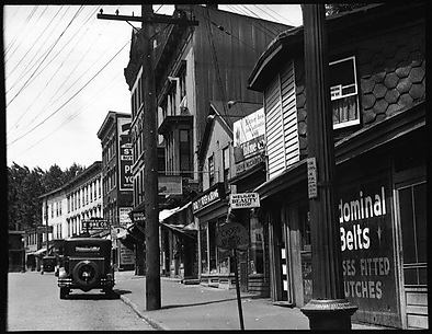 [Street Scene, Possibly Danbury, Connecticut]