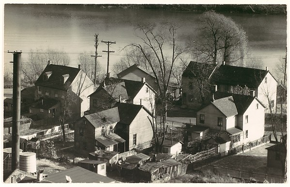[Houses at Edge of Delaware River, Phillipsburg, New Jersey]