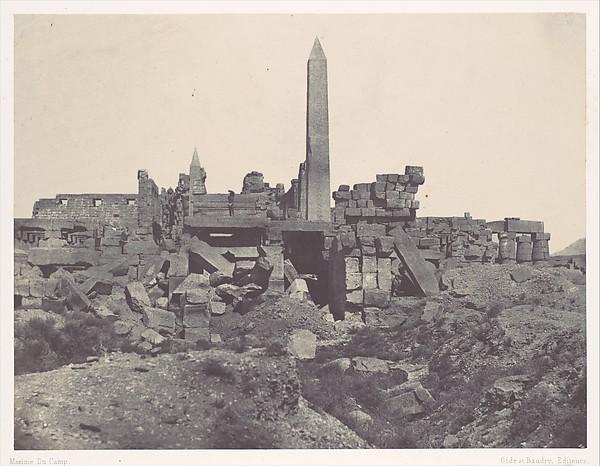 Thebes. Palais de Karnak. Sanctuaire de granit et salle Hypostyle