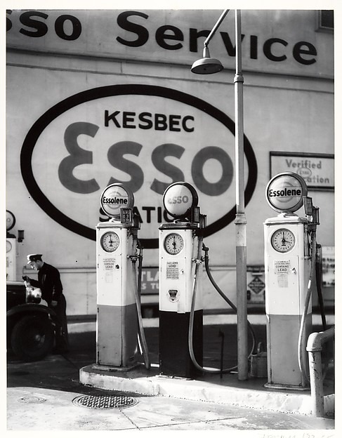 [Gasoline Station, Tenth Avenue]