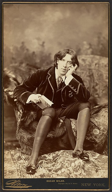 This is What Napoleon Sarony and Oscar Wilde Looked Like  in 1882