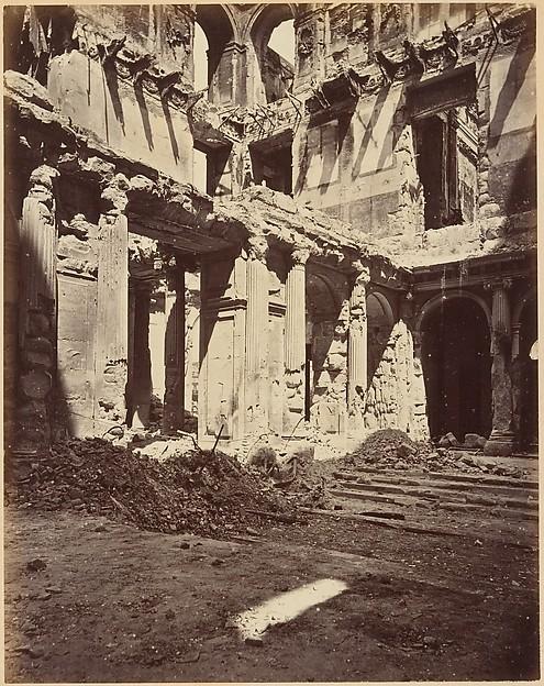 Les Ruines de Paris et de ses Environs 1870-1871: Cent Photographies: Premier Volume.  Par A. Liébert, text par Alfred d'Aunay.