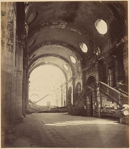 Les Ruines de Paris et de ses Environs 1870-1871: Cent Photographies: Premier Volume.  Par A. Libert, text par Alfred d&#39;Aunay.