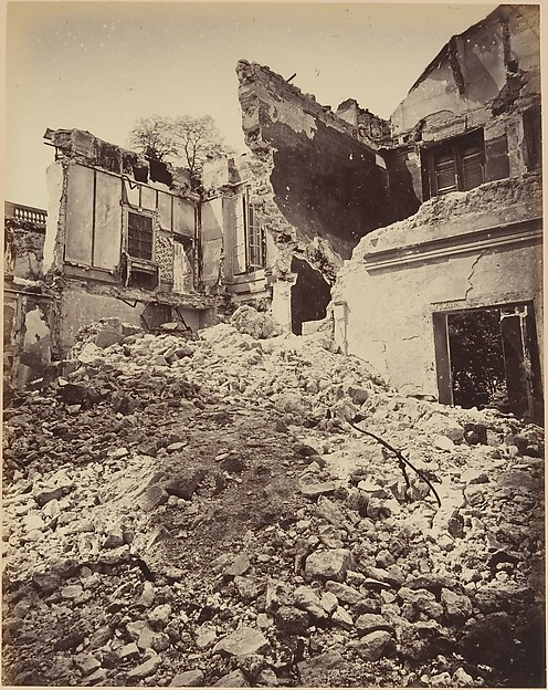 Les Ruines de Paris et de ses Environs 1870-1871: Cent Photographies: Second Volume.  Par A. Liébert, text par Alfred d'Aunay.