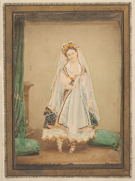 [La Comtesse in robe de piqué or as Judith (?)]