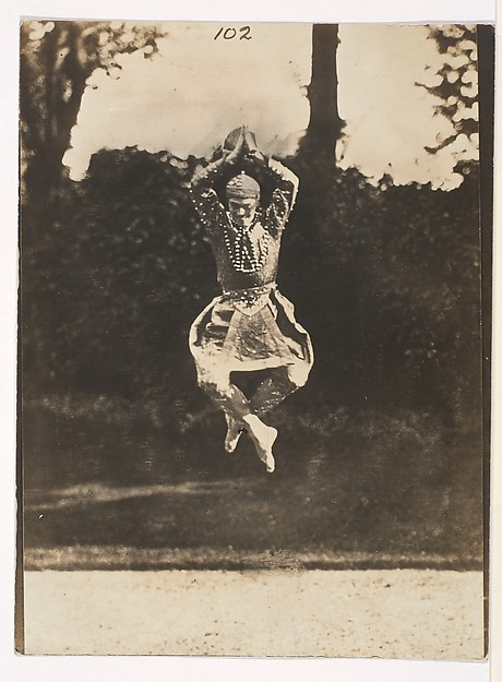 "[Nijinsky in ""Danse siamoise"" from the ""Orientales""]"