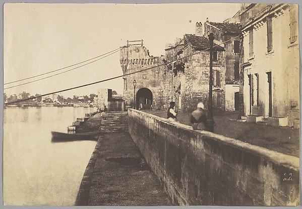 [Arles: Porte des Châtaignes]