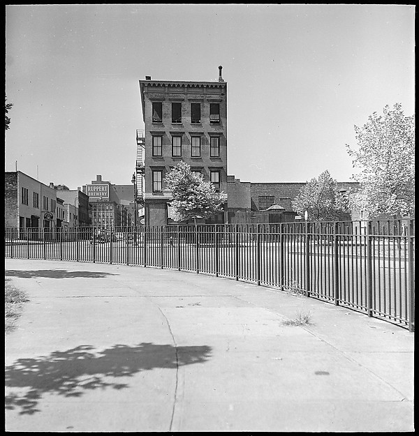 [24 Street Scenes at York Avenue and 92nd Street, New York City]