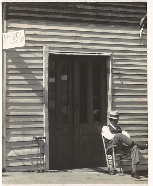 [Barber Shop, Vicksburg, Mississippi]
