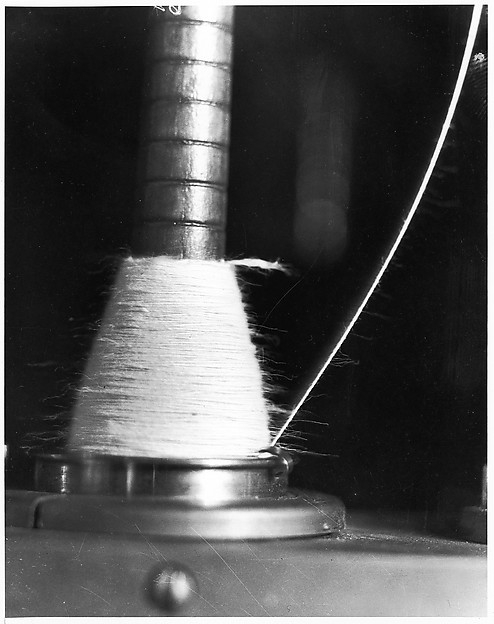 [Motion Study of Thread in a Ring Traveler Spinning at 10,000 r.p.m.]