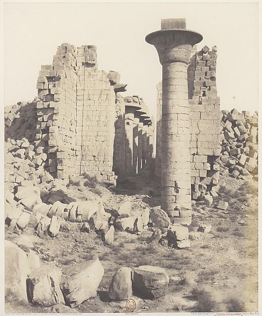Karnak (Thèbes), Cour du Palais - Vue Prise de Point I