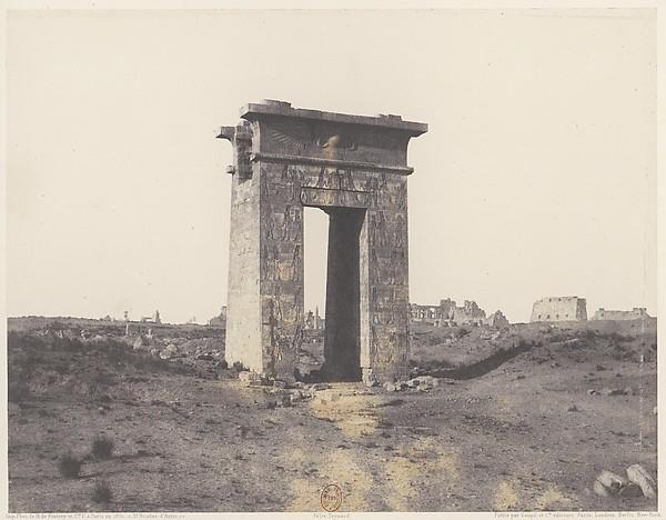 Karnak (Thèbes), Grande Porte du Nord Vue du Point X