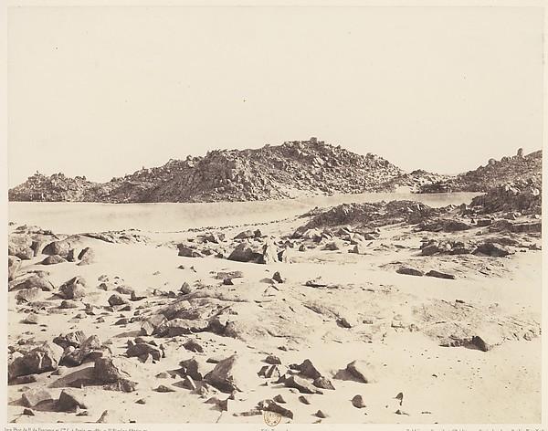 Première Cataracte, Montagnes Granitiques Couvertes de Sables