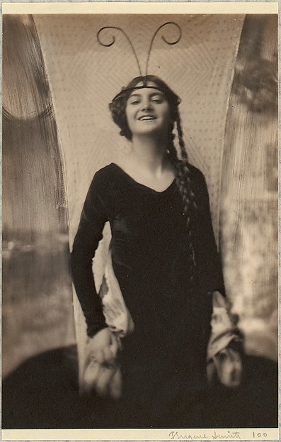 Fritzi von Derra - The Exotic Dancer