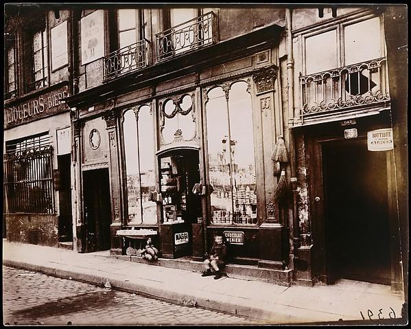 """Shop front of """"Courone d'or,"""" Quai Bourbon"""